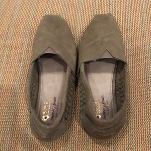 Skechers BOBS; like new; gently worn; size 8.5